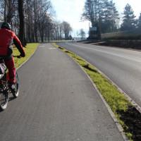 Firma wykona poprawki na drodze, chodniku i ścieżce rowerowej